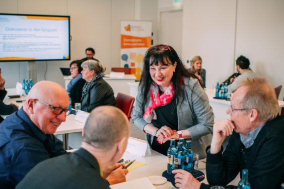 Wie können wir die Demokratiepädagogik in kommunalen und regionalen Bildungslandschaften stärken?