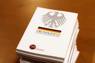Stellungnahme des Bündnisses: Zum Jubiläum des Grundgesetzes der Bundesrepublik Deutschland